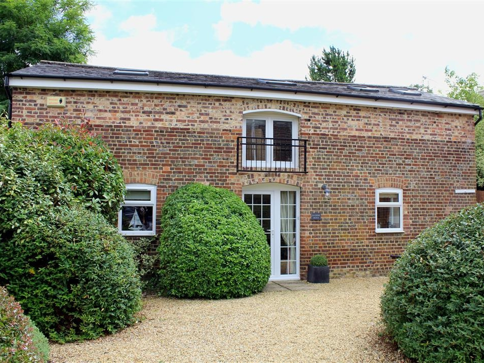 2 bedroom Cottage for rent in Salisbury