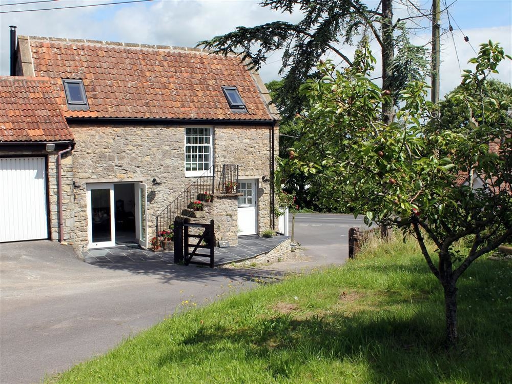 2 bedroom Cottage for rent in Wedmore