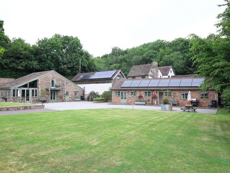5 bedroom Cottage for rent in Cinderford