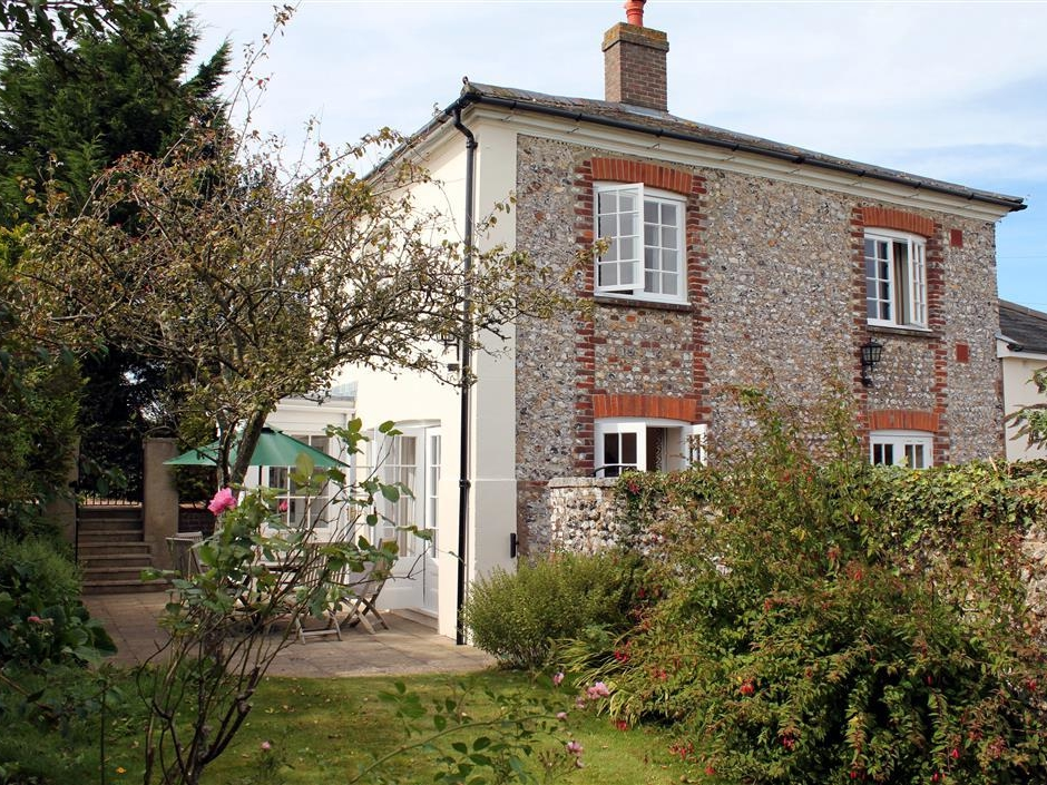 3 bedroom Cottage for rent in Chichester