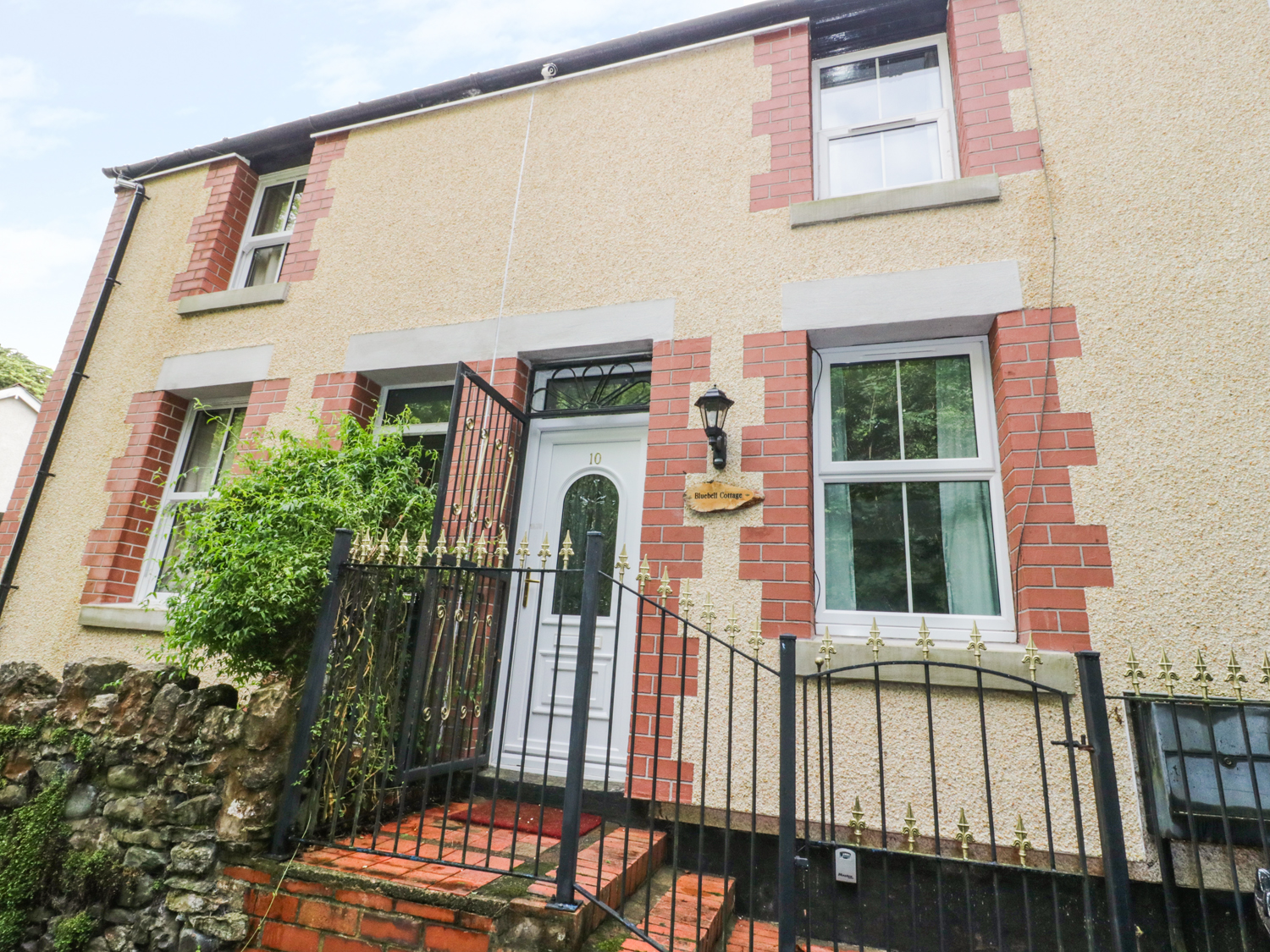 2 bedroom Cottage for rent in Colwyn Bay