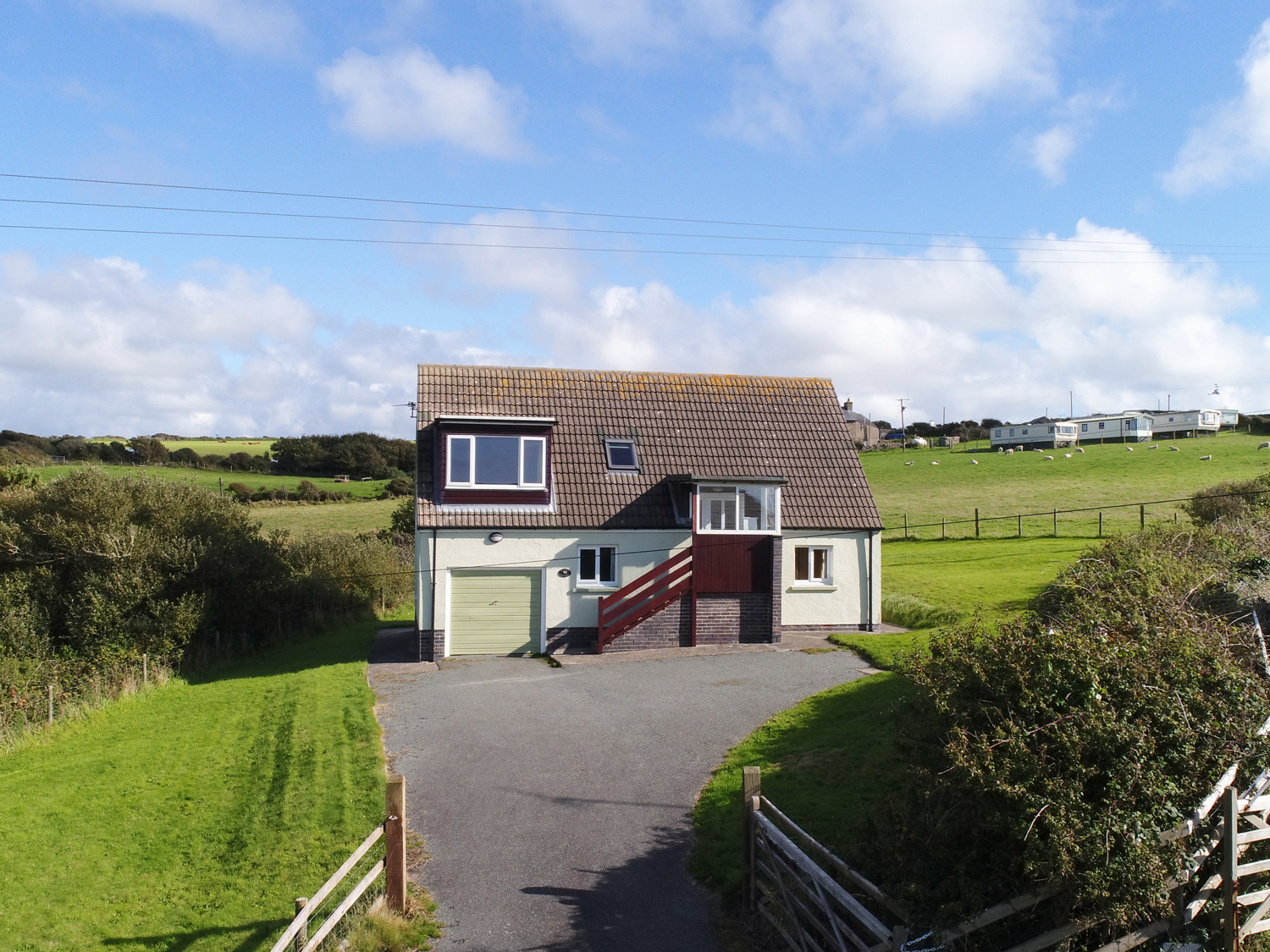 4 bedroom Cottage for rent in Newgale
