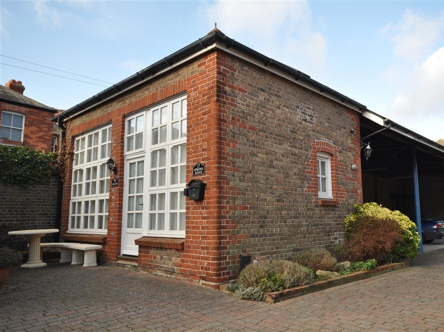 1 bedroom Cottage for rent in Weymouth