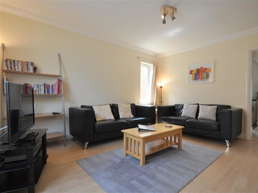 3 bedroom Cottage for rent in Weymouth