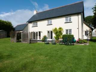 4 bedroom Cottage for rent in Thurlestone