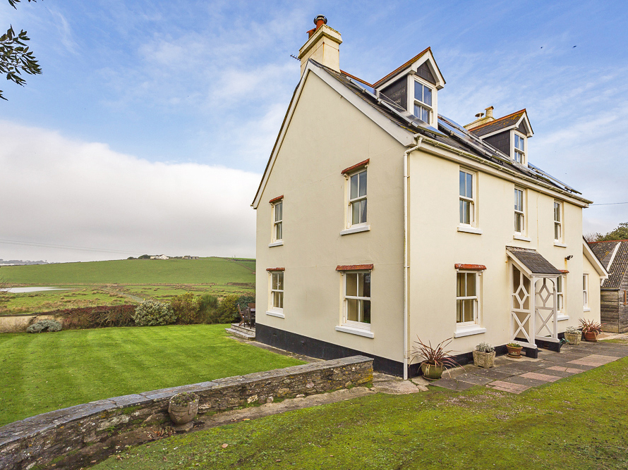 5 bedroom Cottage for rent in Thurlestone