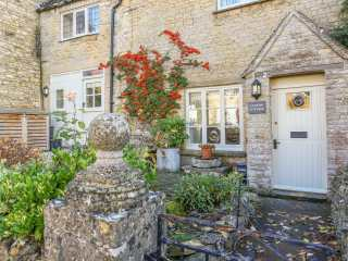 4 bedroom Cottage for rent in Chipping Norton