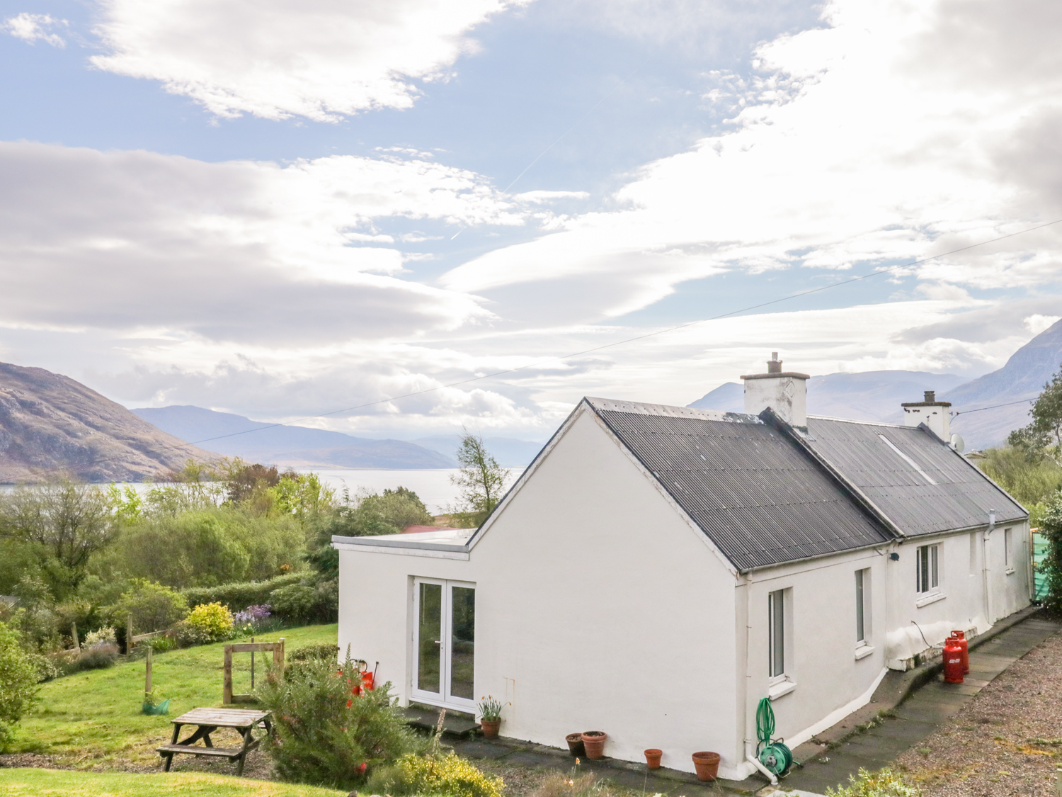 5 bedroom Cottage for rent in Dundonnell