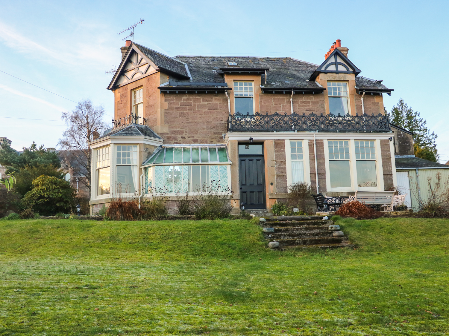 5 bedroom Cottage for rent in Crieff