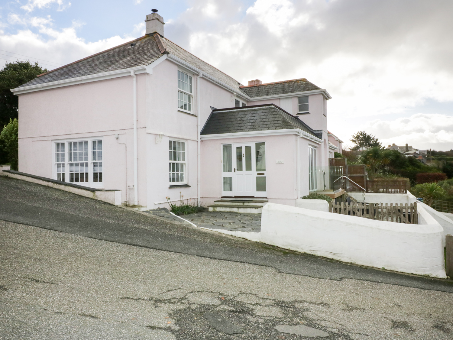 4 bedroom Cottage for rent in St Mawes