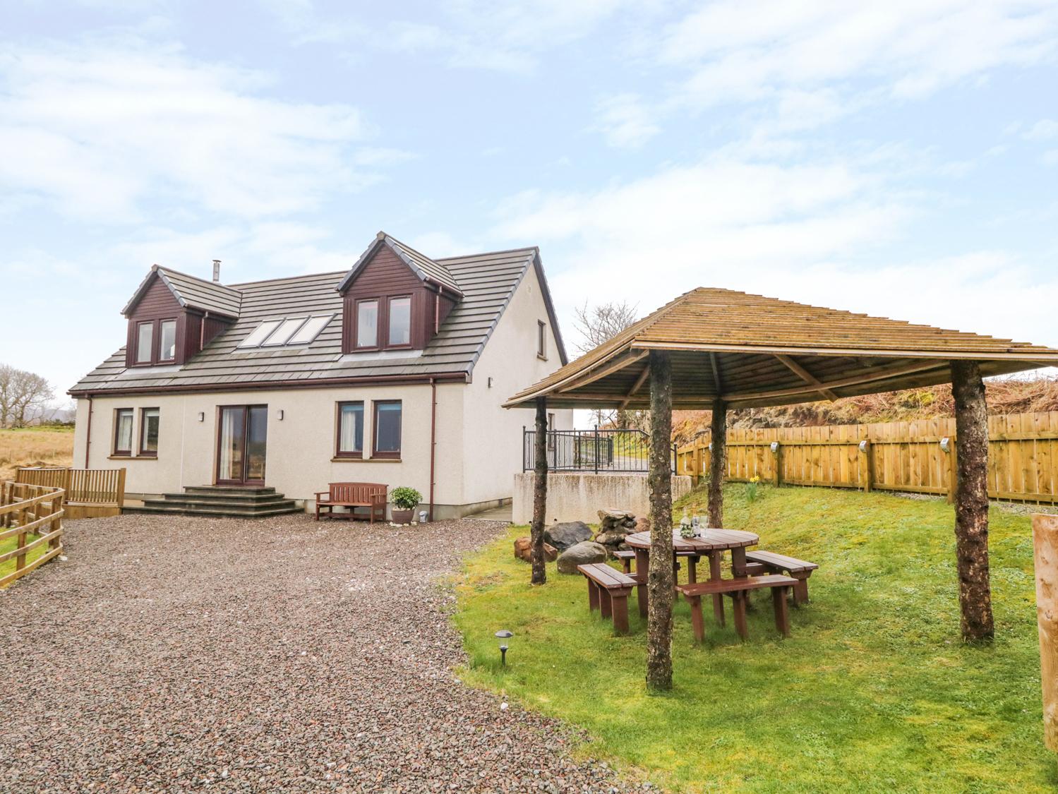 3 bedroom Cottage for rent in Broadford