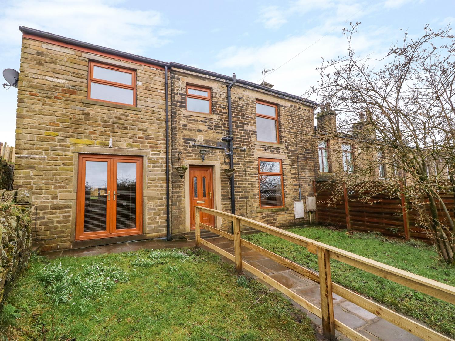 3 bedroom Cottage for rent in Bradford