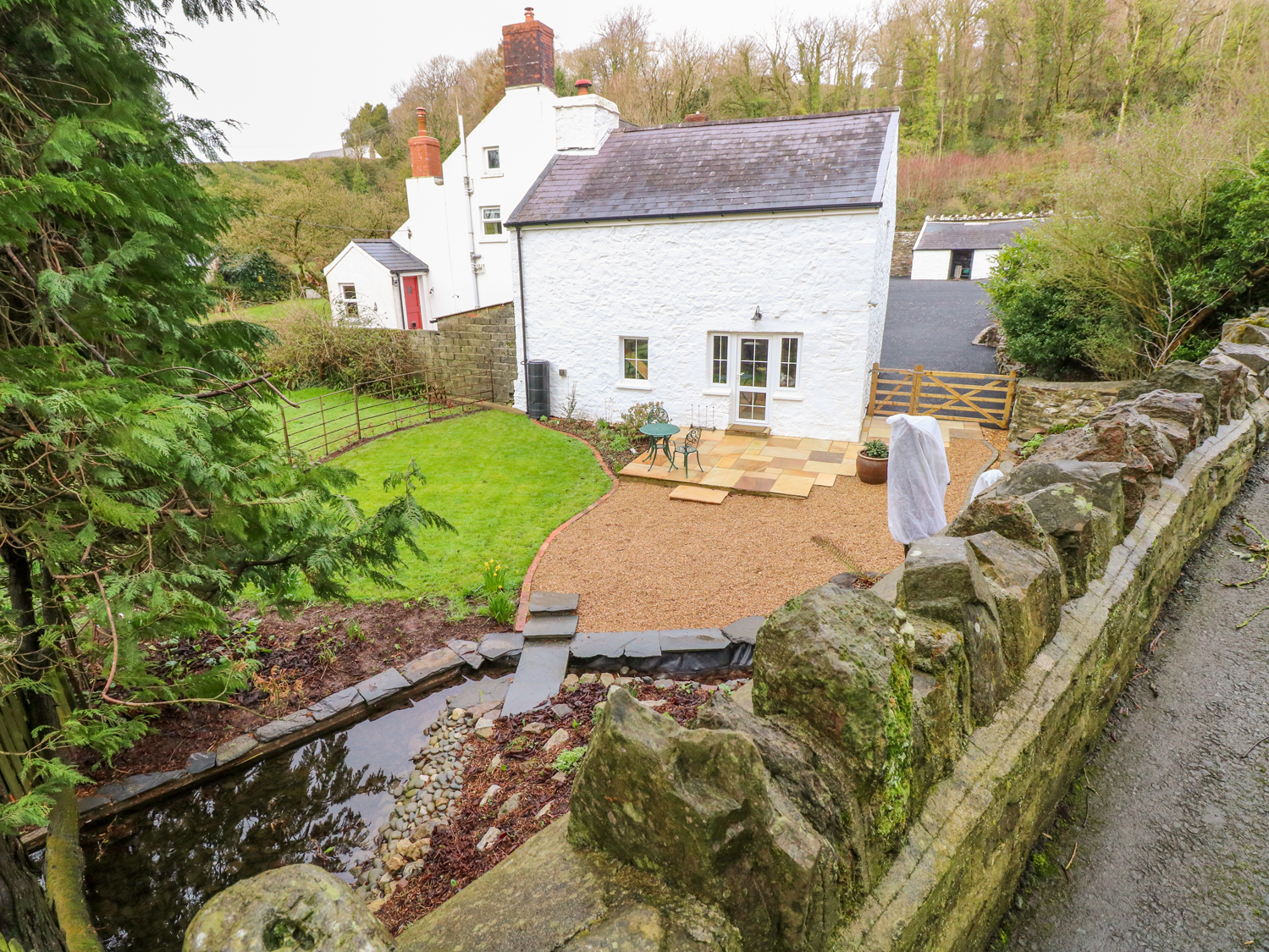King Gaddle Cottage, Pembrokeshire and the South