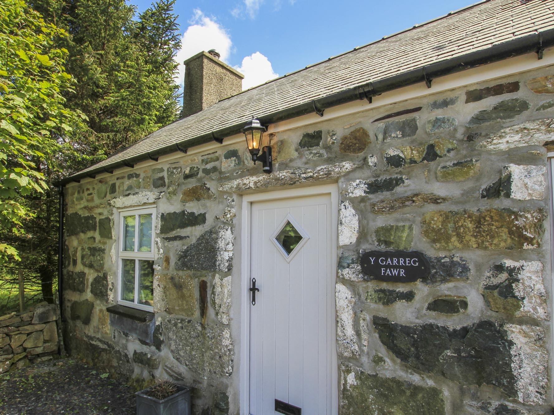 Y Garreg Fawr, Snowdonia and North Wales