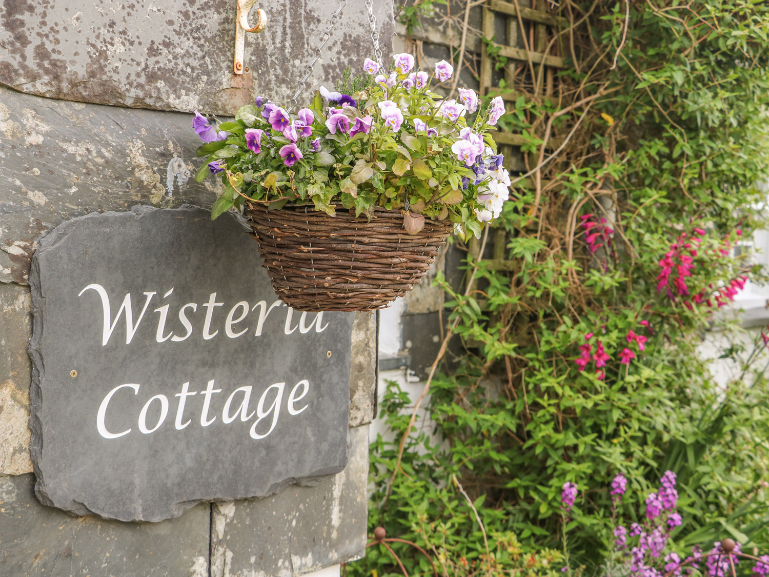 Wisteria Cottage Image 12
