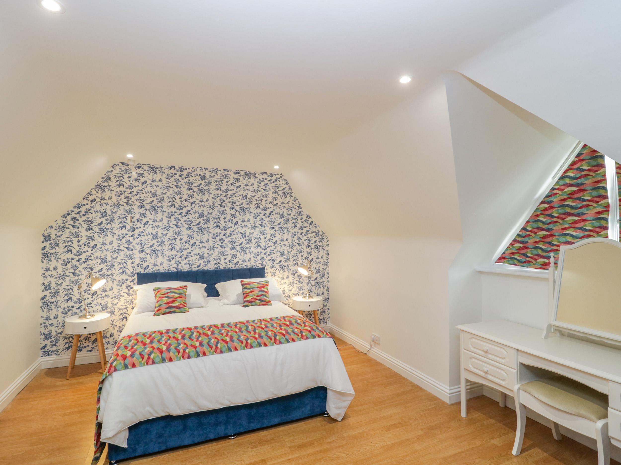 Little House, Wellow
