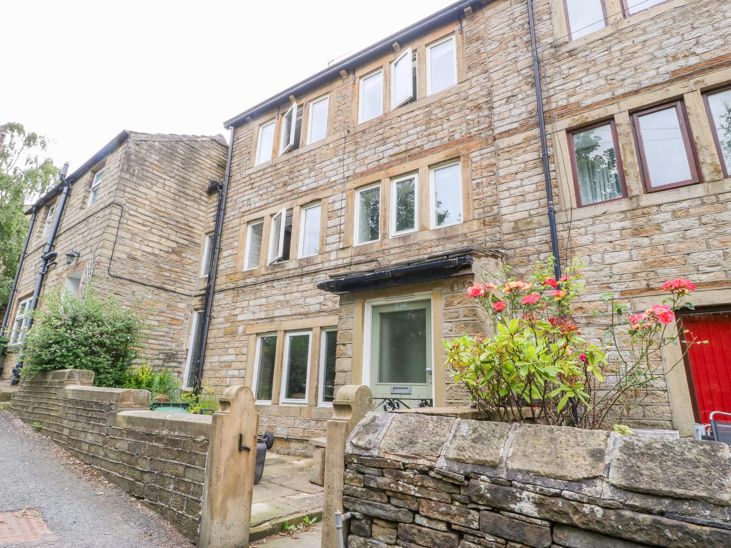 Bamforth Cottage, Holmbridge