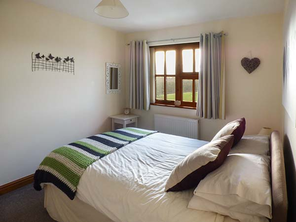bed room sets curlew cottage in bardsea this end terraced cottage is 10249