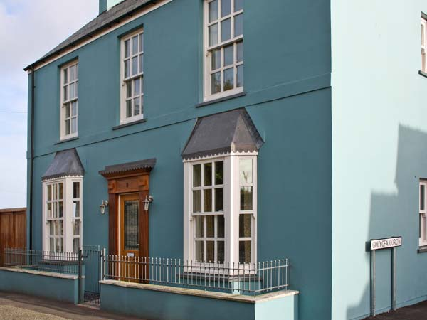 Crown Cottage,Tenby