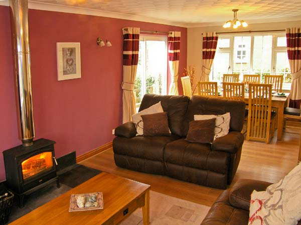 table for bedroom firhaven in rhosneigr this detached cottage is set on 13428