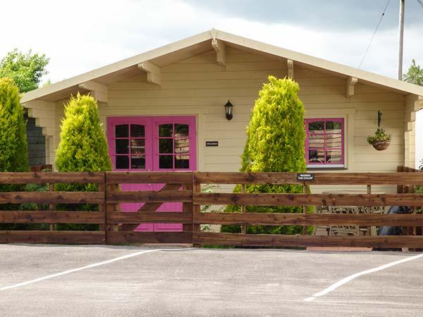 Log Cabin, The,Wootton Bassett