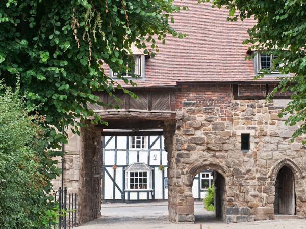 Porter's Lodge,Polesworth
