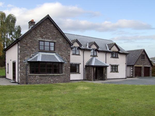 Brynich Villa,Brecon