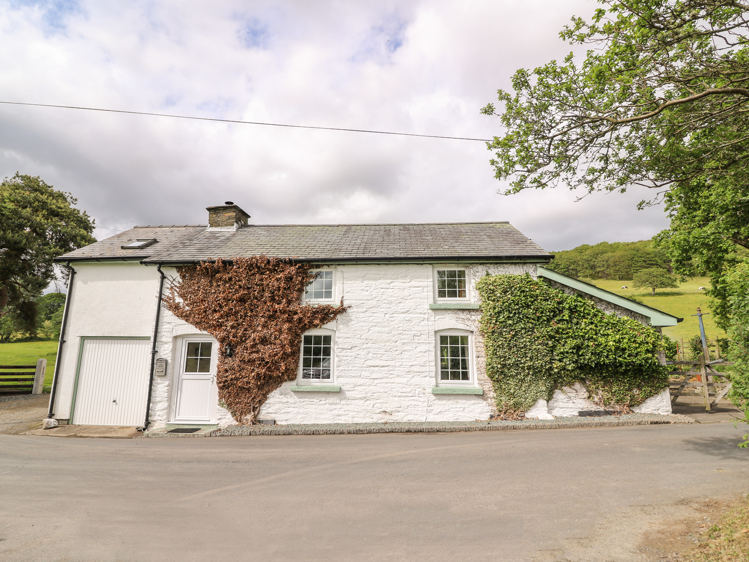 Penlone Cottage, Mid Wales