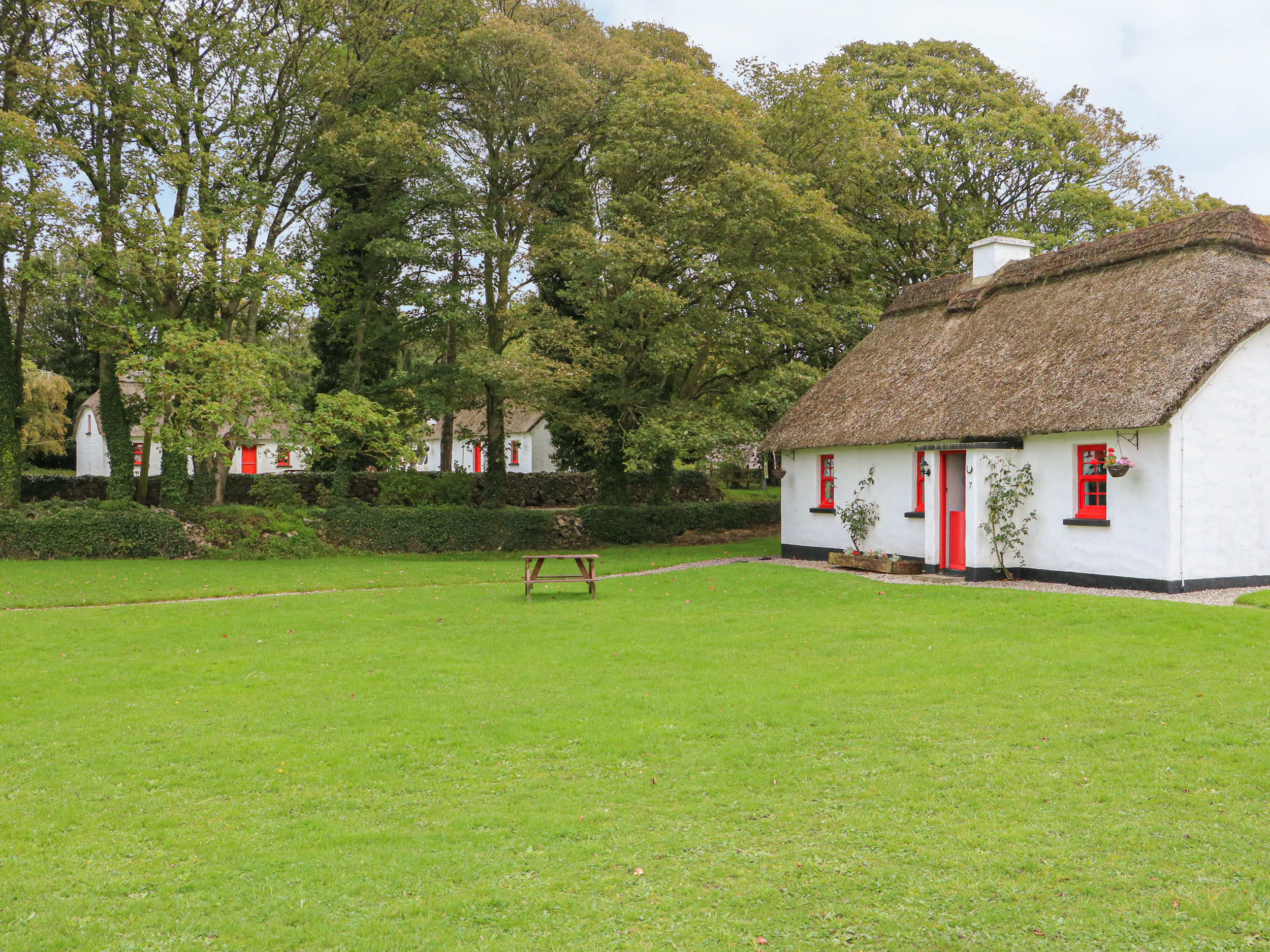 No. 7 Lough Derg Thatched Cottages, County Tipperary