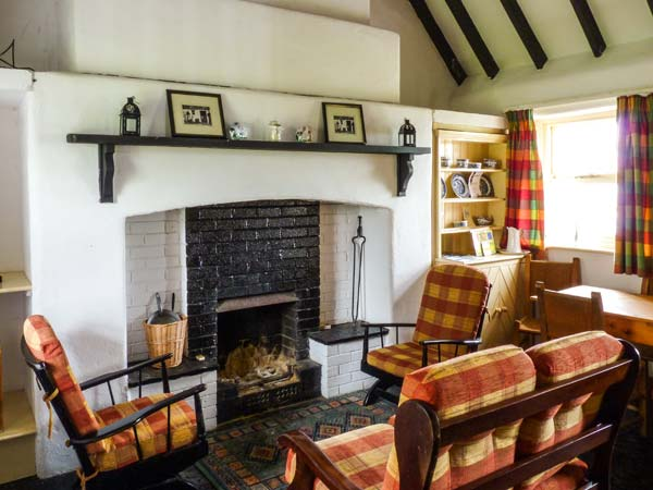 No. 11 Tipperary Thatched Cottage,Ireland