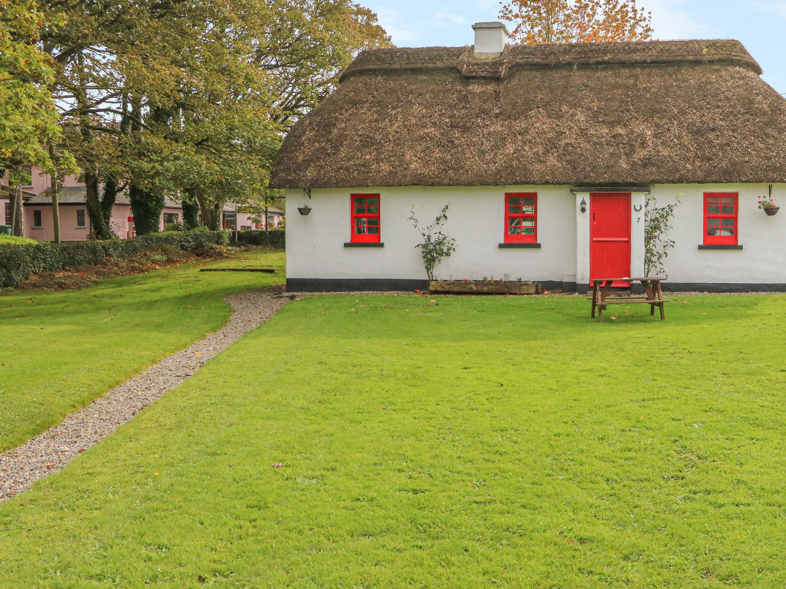 No. 9 Lough Derg Thatched Cottages, County Tipperary