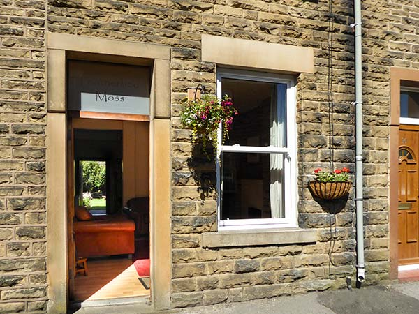 Featherbed Moss Cottage,Glossop
