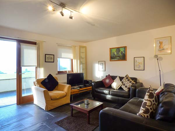 White Lodge Apartment