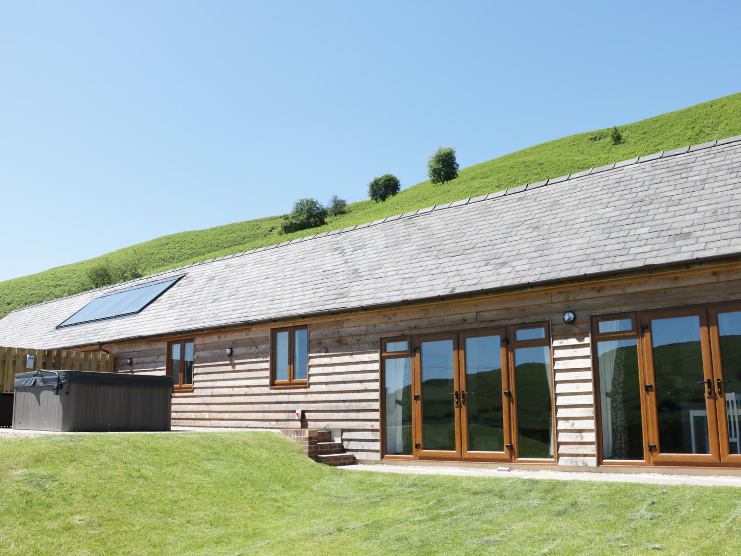 2 Beacon View Barn, Mid Wales