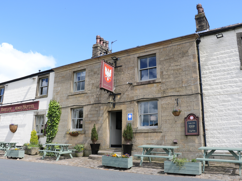 Quakerfield Lodge