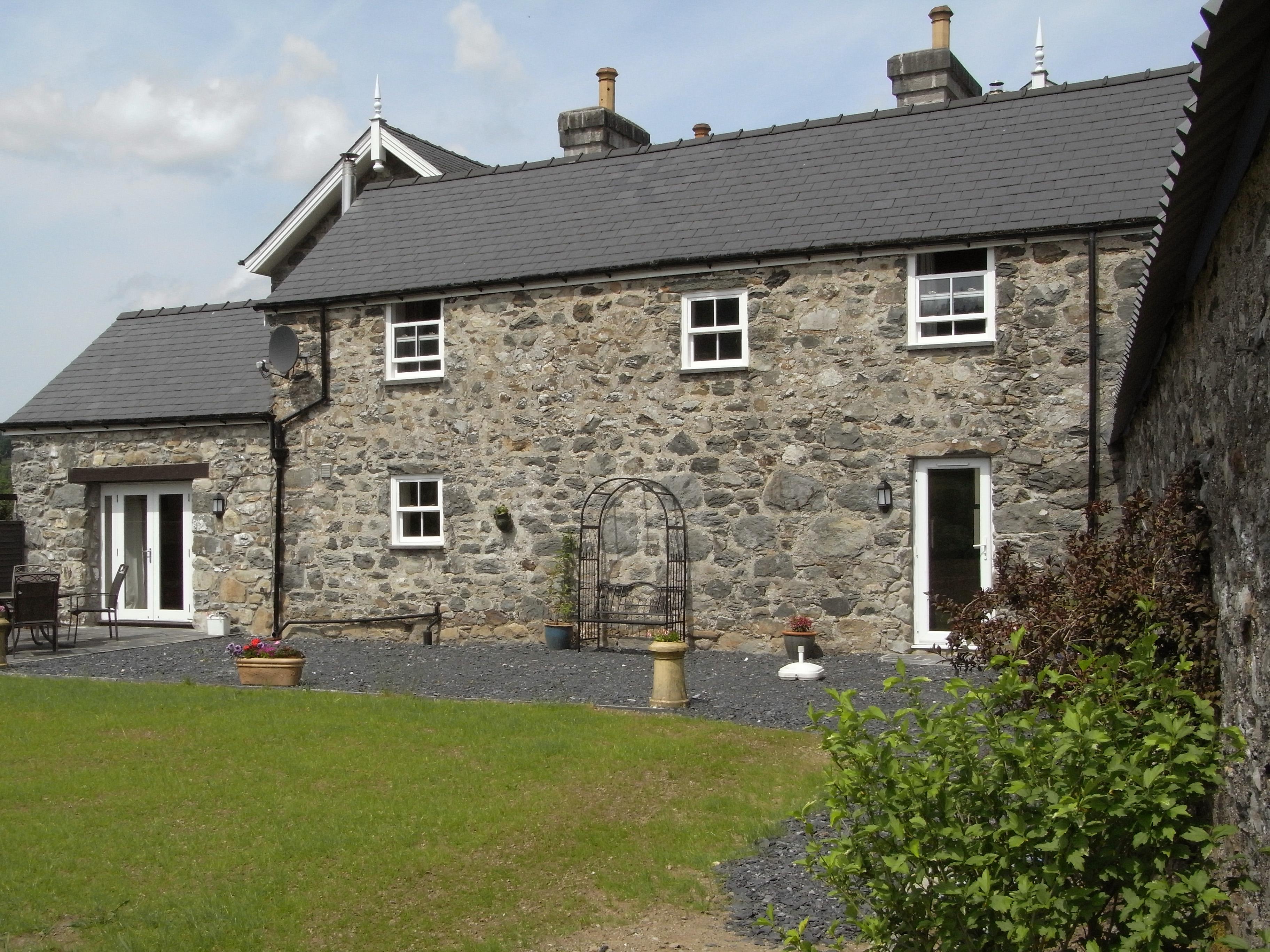 Y Bwythyn at Henfaes, Wales