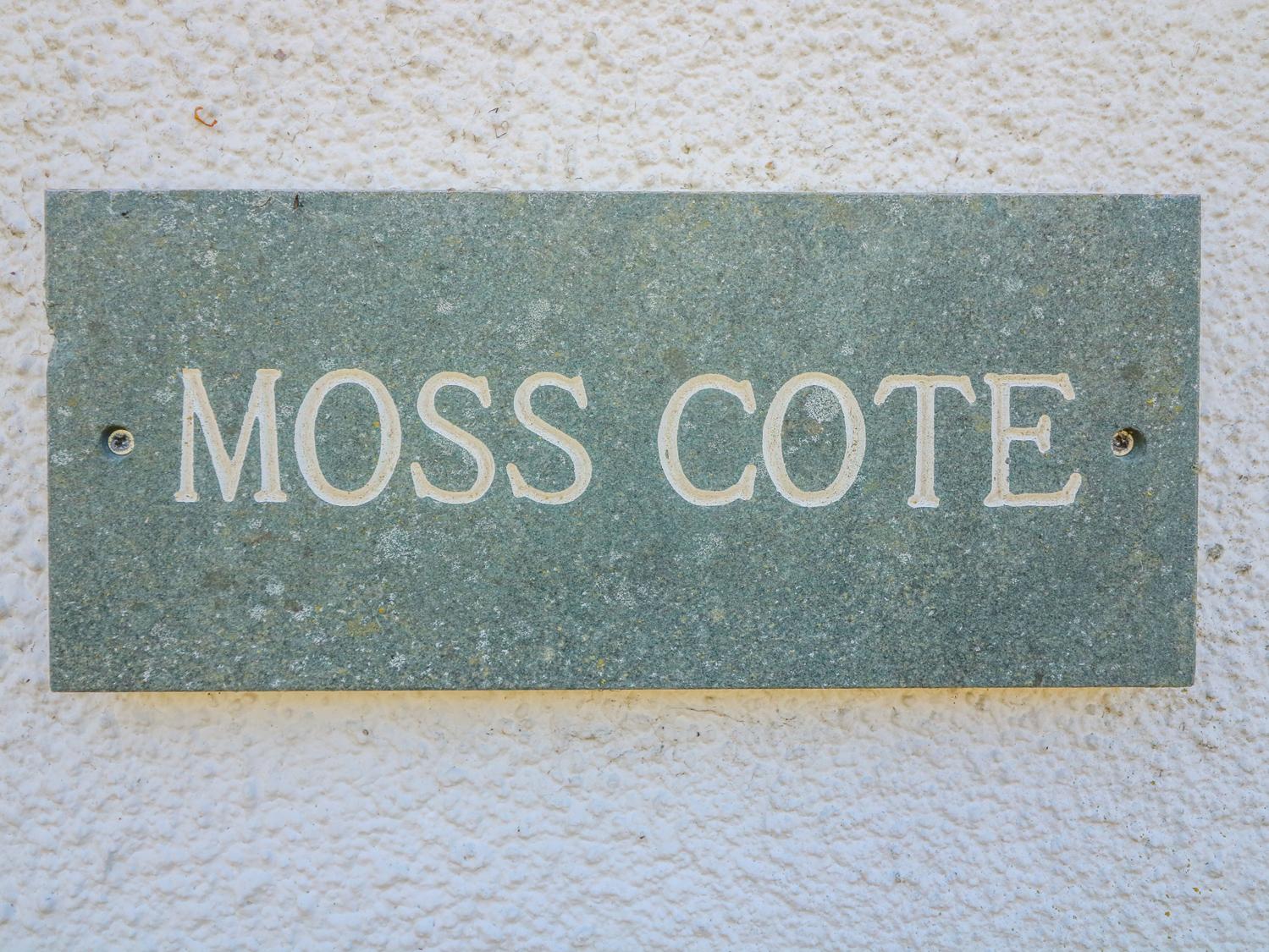 Moss Cote