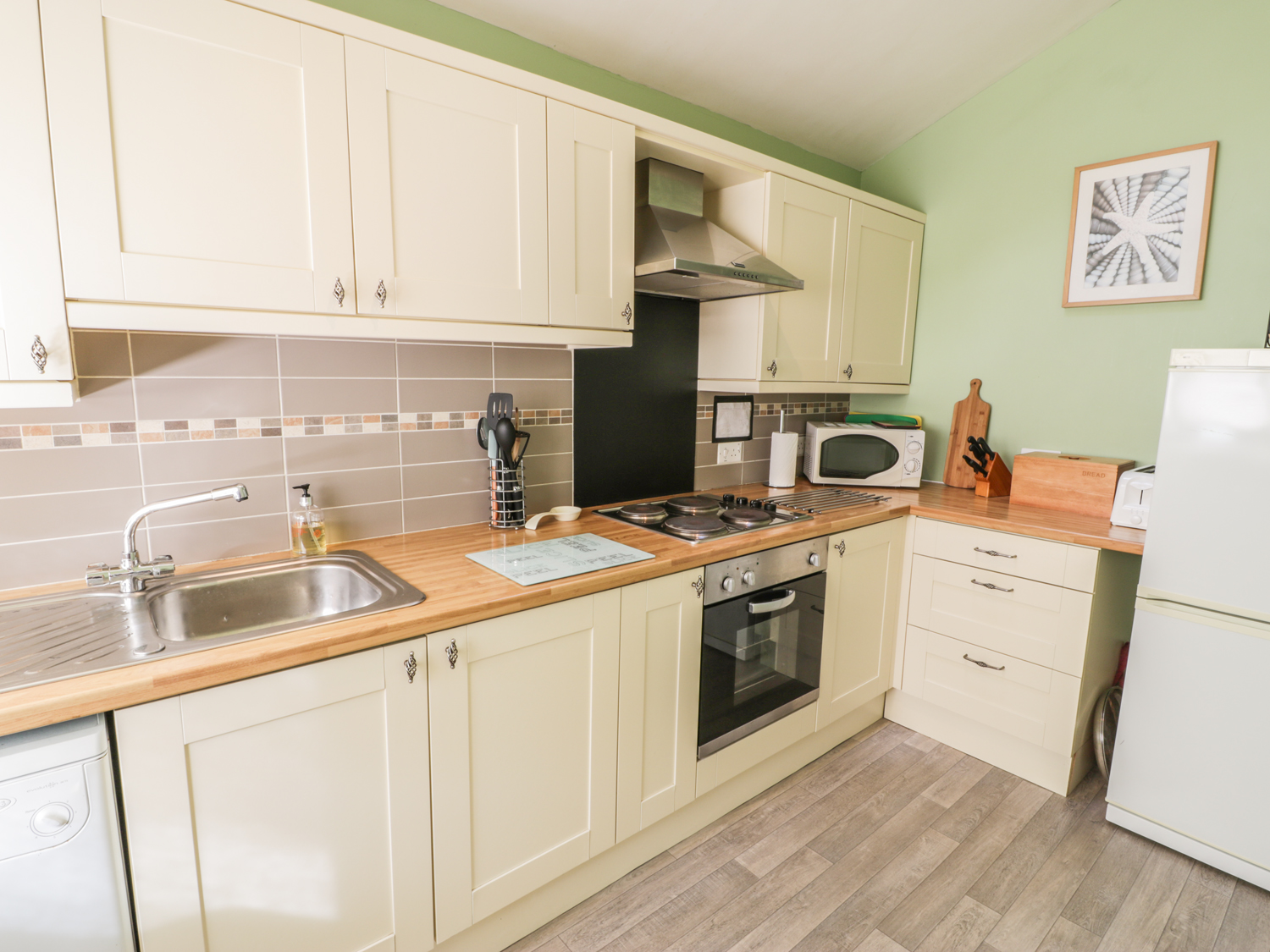 2 Argoed, North Wales