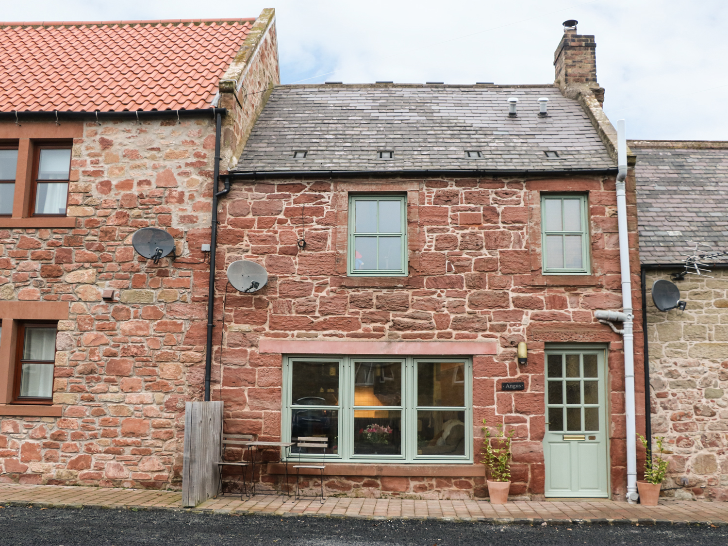 Angus Cottage, Scottish Borders
