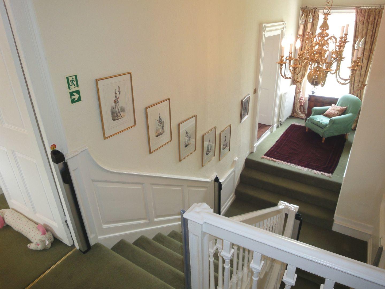 Abbots Manor