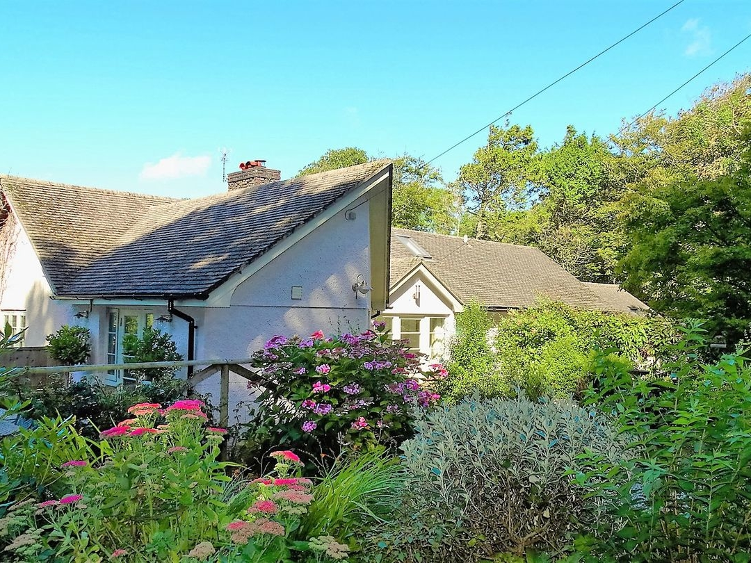 Gamehouse Cottage Image 0