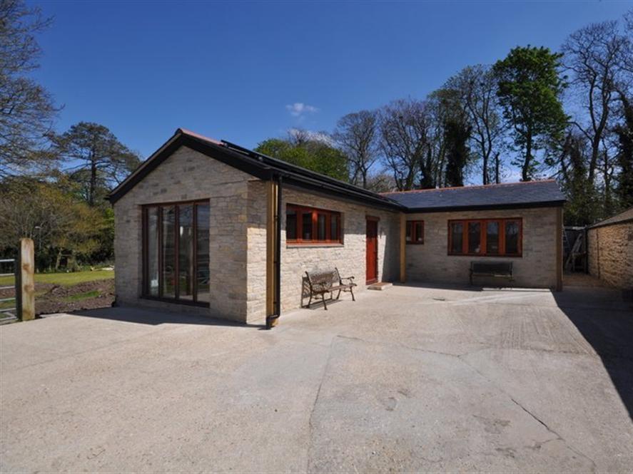 Follis Cottage