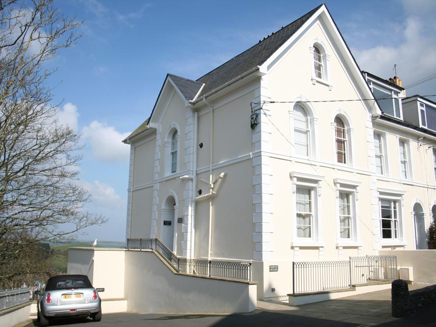 1 Albany House
