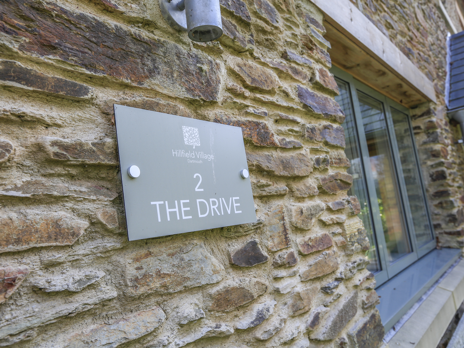 2 The Drive, Hillfield Village Image 8